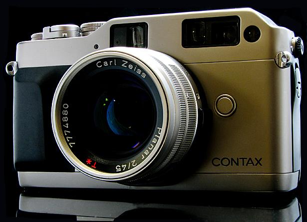The titanium colored Contax G1