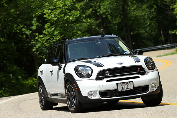 Buster the MINI cooper running the Tail of the Dragon